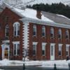 """11. Woodstock, Vermont  İngiliz dönemine ait Amerika'nın kalıntılarını barındıran Woodstock'ta, bu eski binalarda konaklayabilir ve kışa dair ne varsa yaşayabilirsiniz. Jackson House Inn tarafından kışları kurulan """"Winter Wonderland"""" Labirenti'nde, karların ve ışıkların arasında kaybolmaktan keyif alabilirsiniz."""