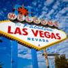 """""""Welcome to Las Vegas"""" Tabelası  [Ücretsiz]  1959 yılında yerine konulduğundan beri Las Vegas'ın en büyük sembolü olan """"Las Vegas'a Hoşgeldiniz"""" tabelası mutlaka uğrayıp fotoğraf albümünüze eklemeniz gereken bir yer."""