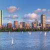 """Boston Yelken Merkezi tarafından düzenlenen Open House deneyimli bir kaptan ile sizleri yelken deneyimini yaşamaya davet ediyor. Open House etkinlikleri bahar aylarında ve yaz başlarında yapılıyor ve sizleri dersler ile yaza hazırlıyor. Detaylı bilgi için """"Boston Sailing Center""""a ait web-sitesini ziyaret edebilirsiniz."""