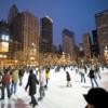 Patenlerinizi sımsıkı bağlayın ve kışın soğuğunu Chicago'da Millennium Park buz pistinde kucaklayın! (Yaklaşık 16,000 square-foot) Şubat Chicago Kış Dans Festivali zamanı gelip, buz pateni ve buzda dans derslerinden para ödemeden faydalanabilirsiniz.