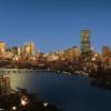Boston, New England Bölgesi'nin Massachusetts eyaletinde bulunan, ABD'nin en eski ve varlıklı şehirlerinden biridir. 17. yüzyılın başlarında Amerika'nın yerlileri tarafından kurulmuş ve ülkenin Avrupa'dan göç alan ilk şehirlerinden biri olmuştur. Bu güzel ve büyük şehrin adı, bölgeye ilk yerleşen Püritan mezhebine bağlı İngilizler tarafından, İngiltere'deki Boston kasabasının adı gibi St. Botolph's Town kelimesinin kısaltılmasıyla oluşturulmuştur.
