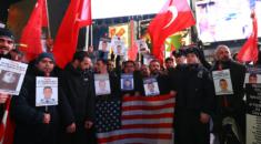 New York Polisi, Türk Vatandaşlar ile Birlikte İstanbul Saldırısı Şehitlerini Andı