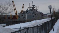 ABD savaş gemisi Montreal'de mahsur kaldı