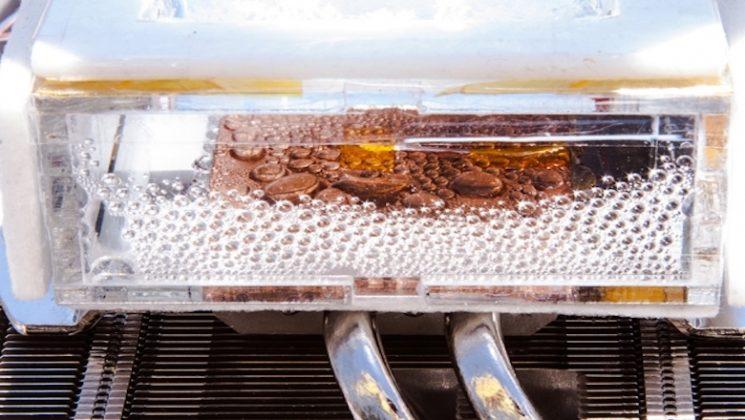 """MIT, en kurak hava şartlarından bile """"içilebilir su"""" üretebilen bir cihaz geliştirdi"""